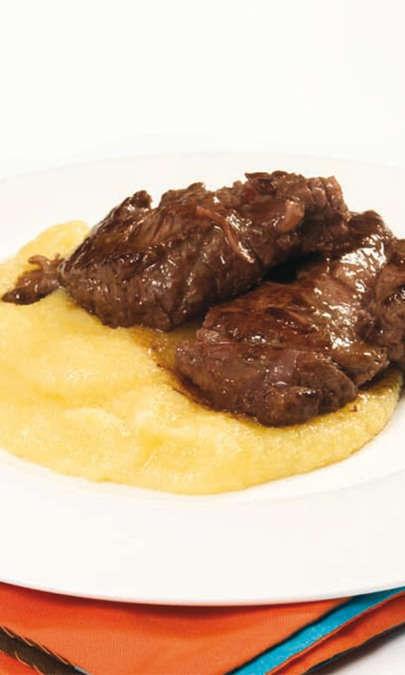 Brasato al Barolo senza marinatura con polenta (Piemonte)