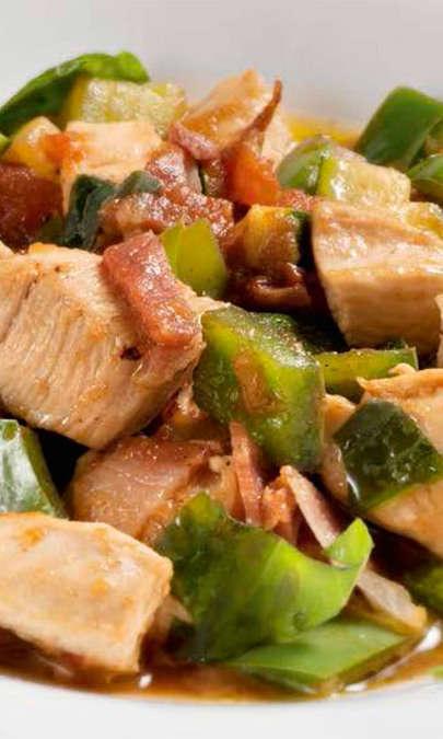Spezzatino di pollo al limone con verdure alla spagnola