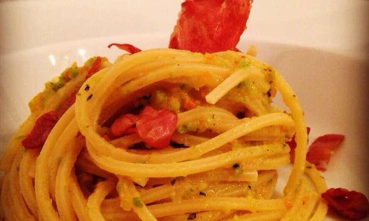 Spaghetti Carote&Zucchine con prosciutto croccante
