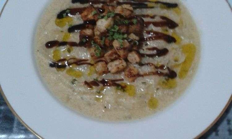 Zuppa di cipolle dorate con crostini allo zenzero e riduzione di aceto balsamico