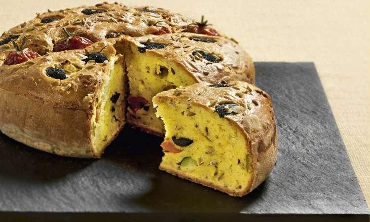 Cake ai pomodorini, olive taggiasche e finocchietto