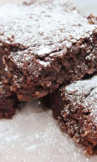 Brownie al cioccolato cn ciliegie sciroppate