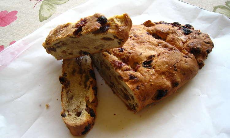 Pane dolce con l'uva