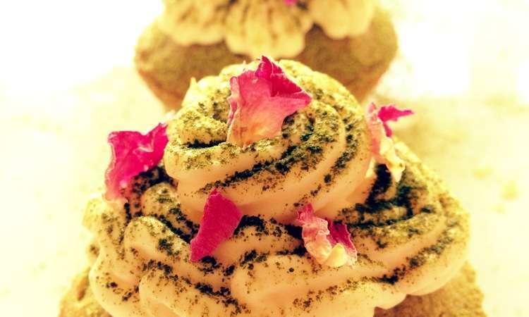 Cupcakes the matcha e ganache al cioccolato bianco