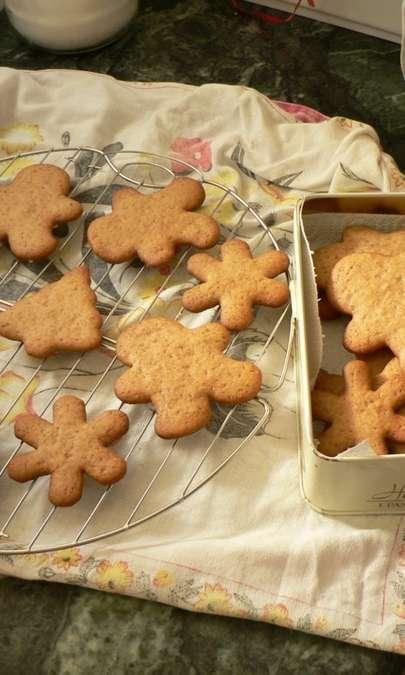 Gingerbread: i biscotti al pan di zenzero