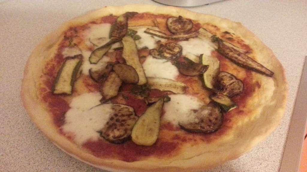 Pizza al kamut con verdure grigliate