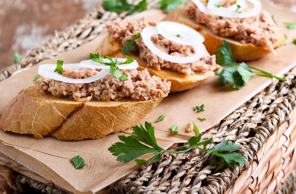 Crostini in crema di tonno