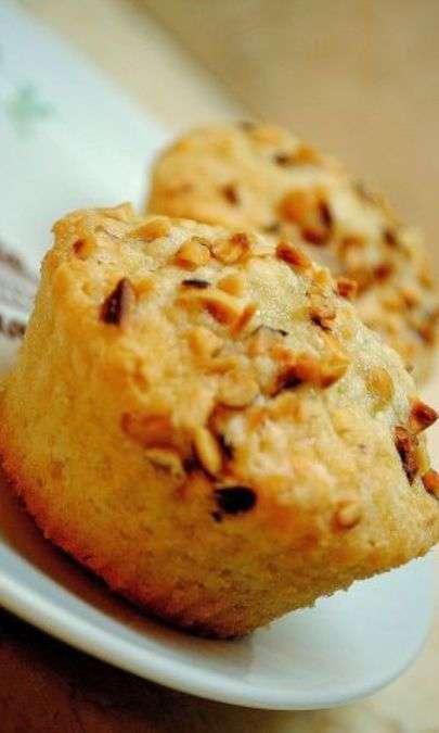 Muffin alle arachidi e nocciole