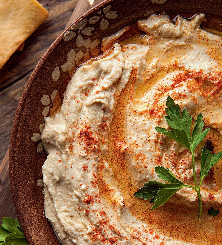 Hummus di ceci speziato con taralli