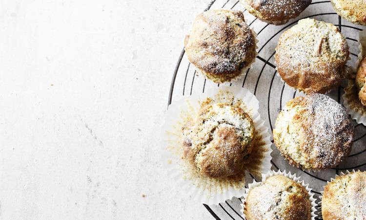 Muffin salati al pecorino e uvetta