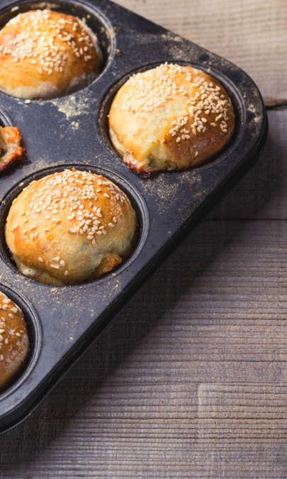 Tortini soffici con noci, grana padano e prosciutto crudo