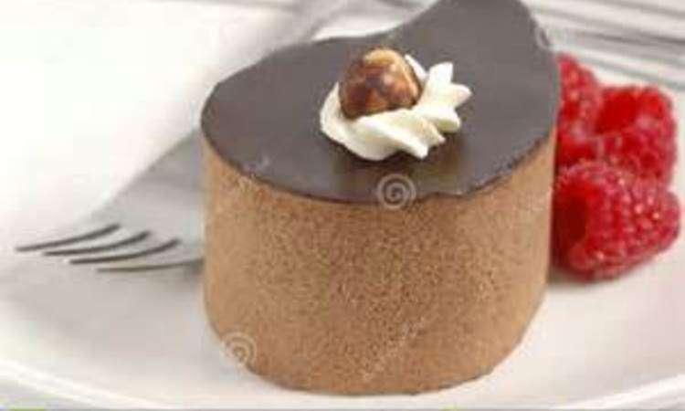 Marquise al cioccolato con confettura di lamponi