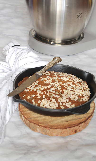 Breakfast cake cioccolato, pere e avena