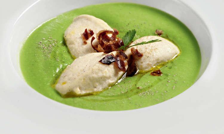 Crema di cavolfiore verde e merluzzo al vapore