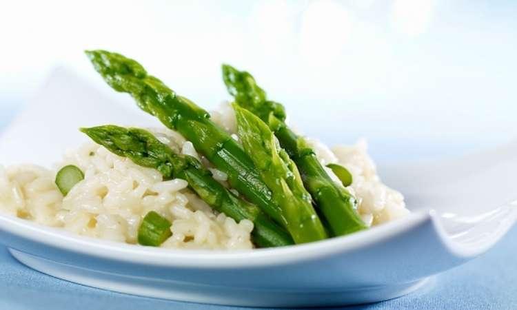 Risotto con ricotta salata e asparagi
