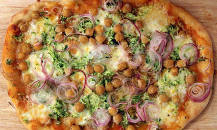 Pizza con ceci e zucchine
