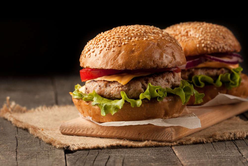 Hamburger con  onion rings