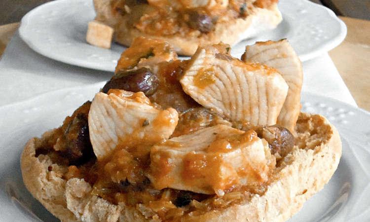 Pesce spada con sedano, capperi e olive
