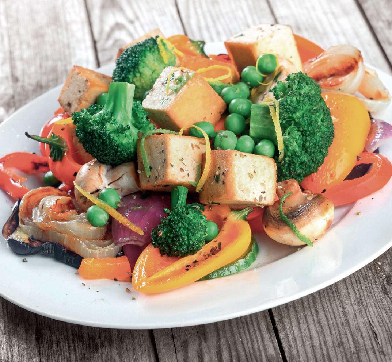 Sauté di verdure con tofu e funghi