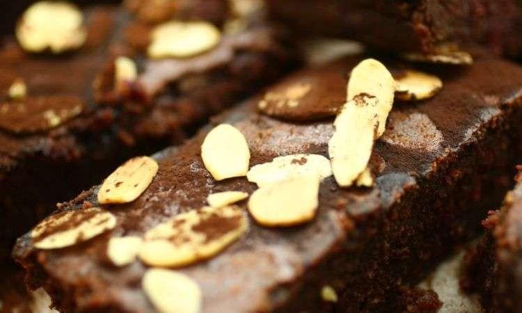 Brownies alla barbabietola (senza glutine)