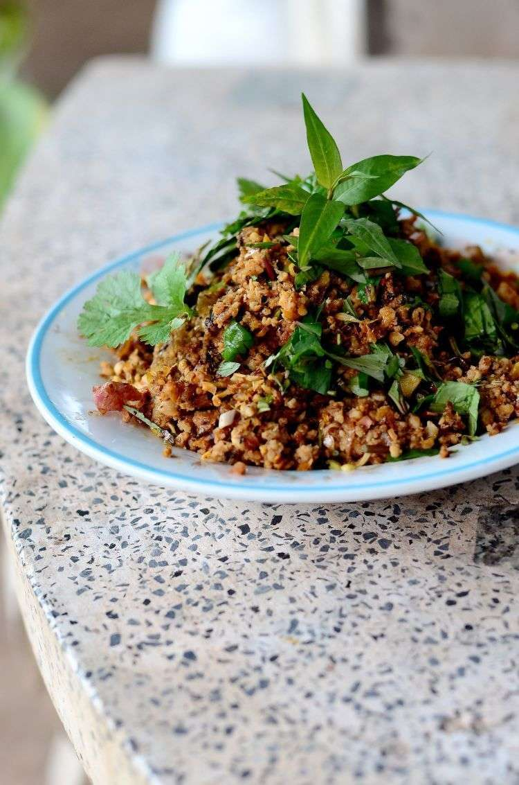 Ripieno di Bai Horapha - maiale macinato tailandese con basilico sacro