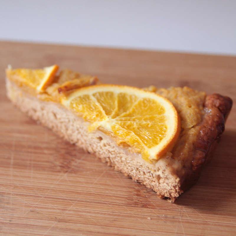 Crostata di cachi, arance e cannella