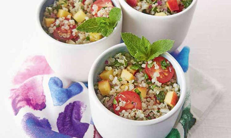 Tabulè di quinoa alle pesche