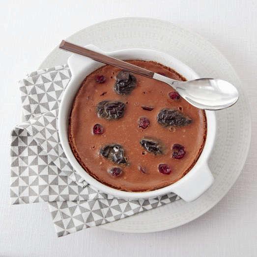 Flan alle prugne e cranberries
