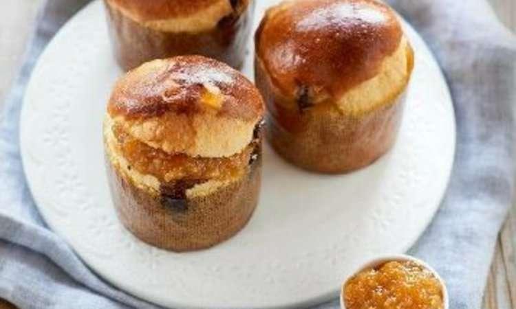 Mini panettoncini con arancia candita e perle al cioccolato fondente