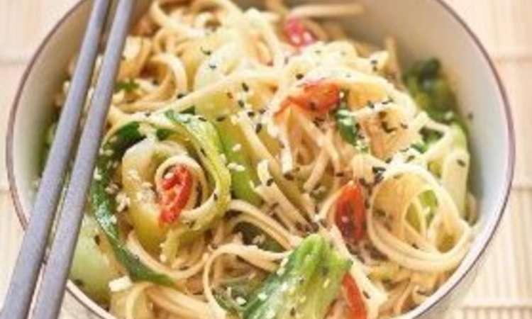 Noodle con cavolo cinese