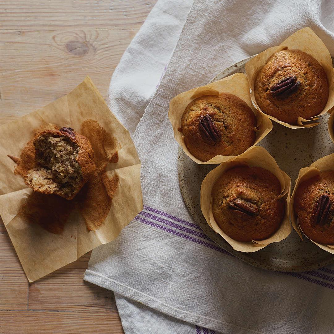Muffin con banana e noci pecan