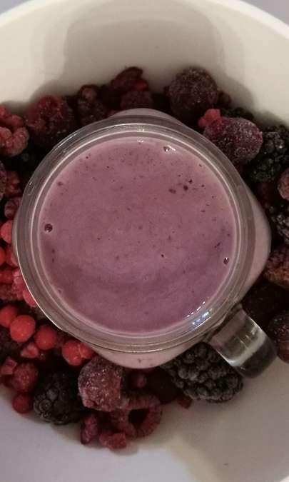 Frullato ai frutti di bosco e vaniglia