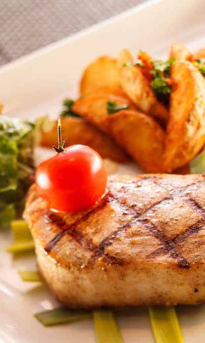 Bistecca con patate saporite