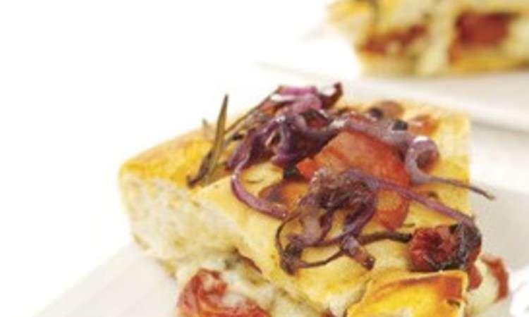 Focaccia con pomodori semisecchi e dolcelatte