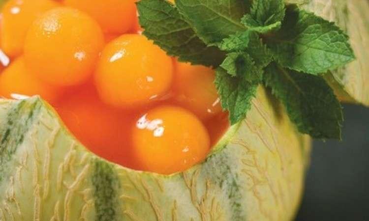 Insalata di melone, mango e pompelmo