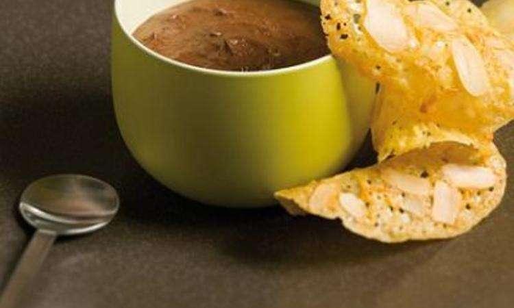 Mousse al cioccolato con biscotti all'arancia