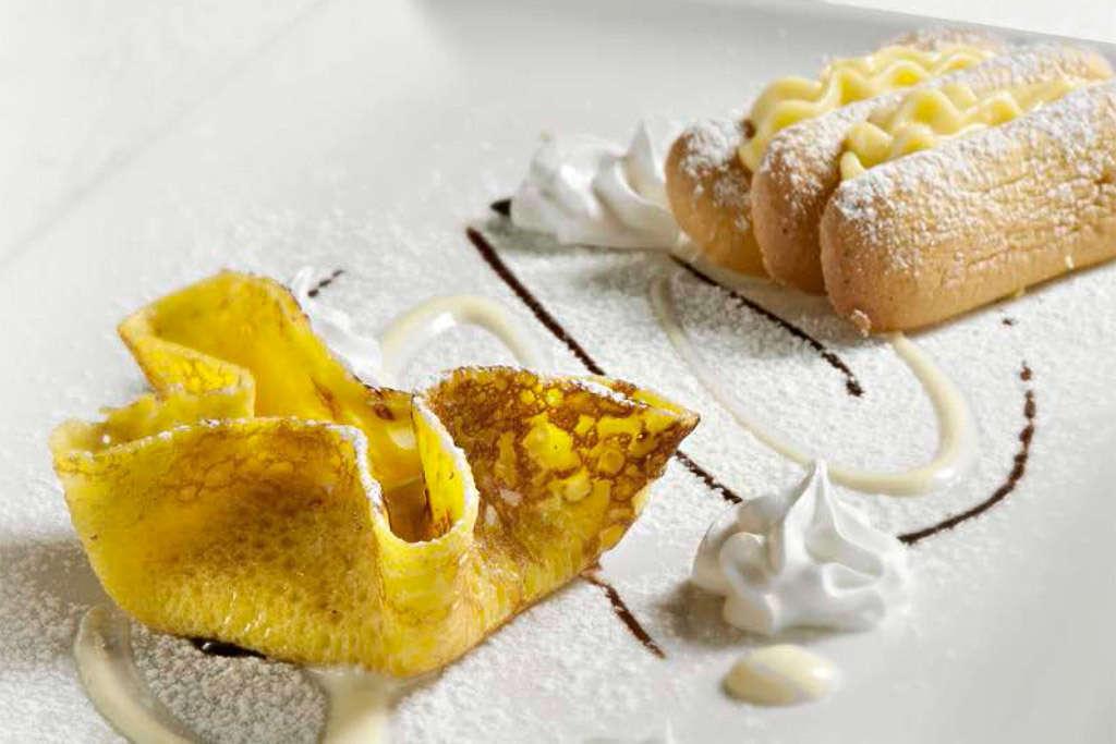 Niccolò, Pietro e Simone - Millefoglie ai savoiardi con crema chantilly e tortino di crêpes con salsa al cioccolato