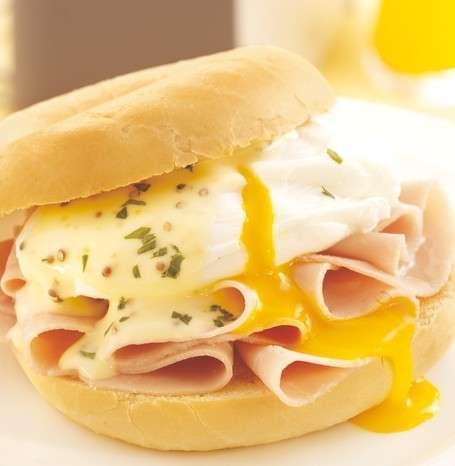 Panino al miele e crema di formaggio