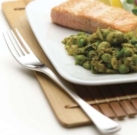 Salmone grigliato con pesto di legumi