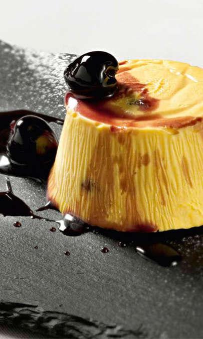 Semifreddo al torrone con salsa alle ciliege