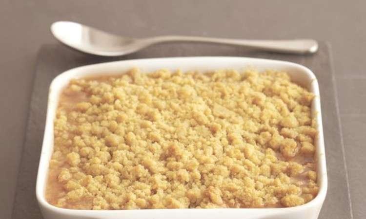 Streuselkuchen di pesche e ciliegie