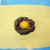 Preview 01 raviolo tuorlo fondant con uovo di quaglia e corona di porcini